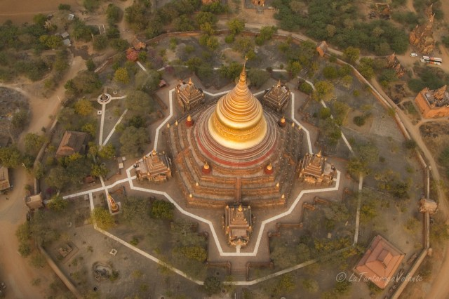viaggio in Myanmar, balloning over Bagan vista dall'alto