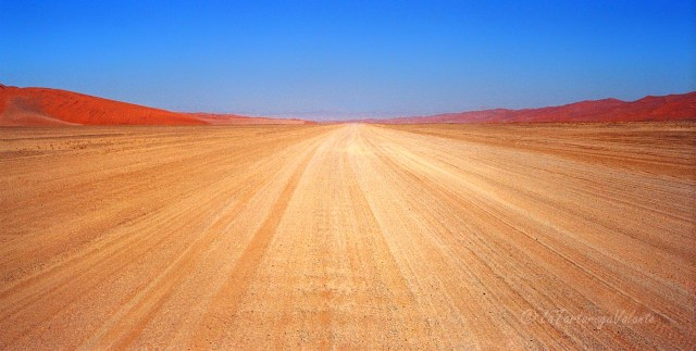 Namibia strada verso Sossusvlei