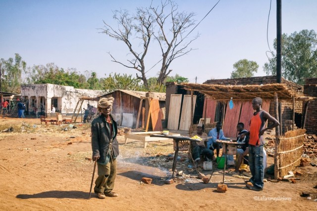 Malawi, ristorante lungo la strada
