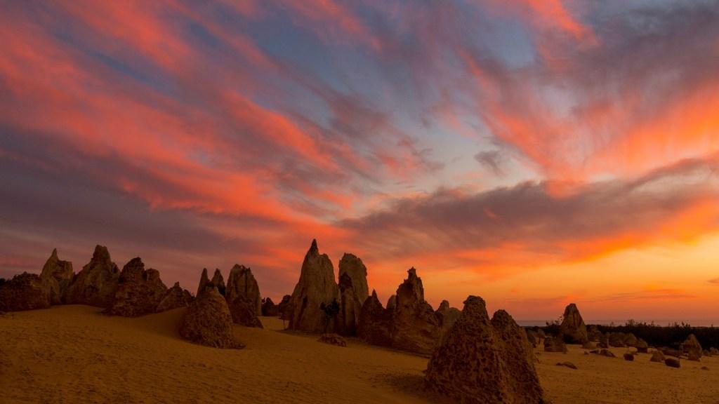 deserto dei pinnacoli, tramonto infuocato