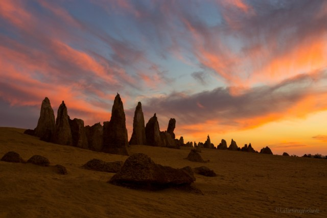 deserto dei pinnacoli, tramonto rosso