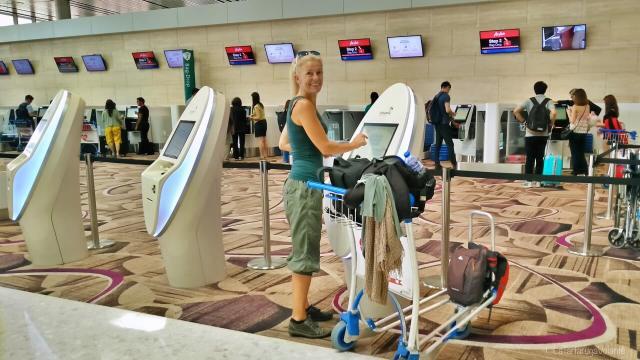 Gente che viaggia, aeroporto di singapore