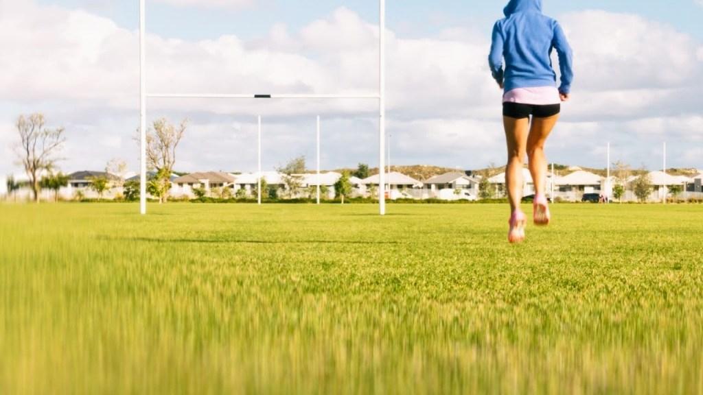 Sport e viaggi, corsa nei parchi