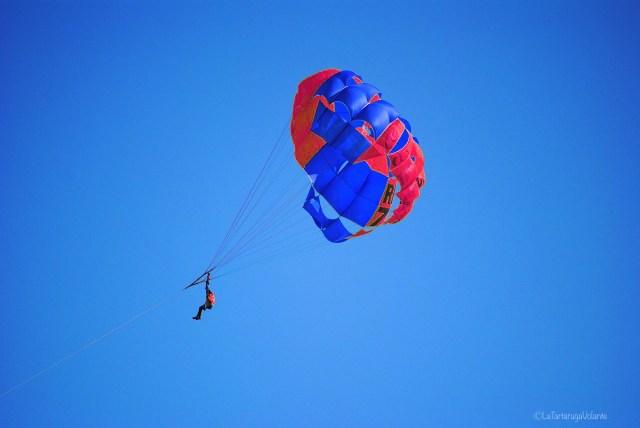 Sport in viaggio, parasailing in tunisia