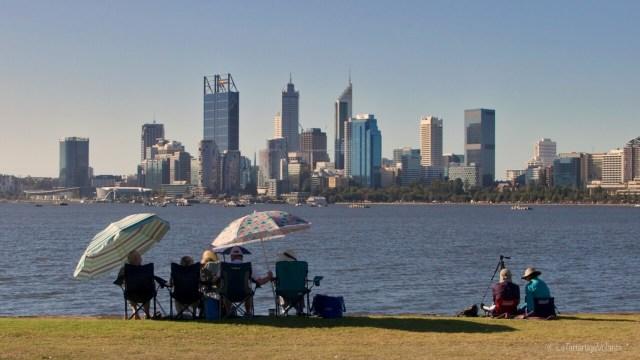 Perth in attesa dei fuochi, tanta compagnia