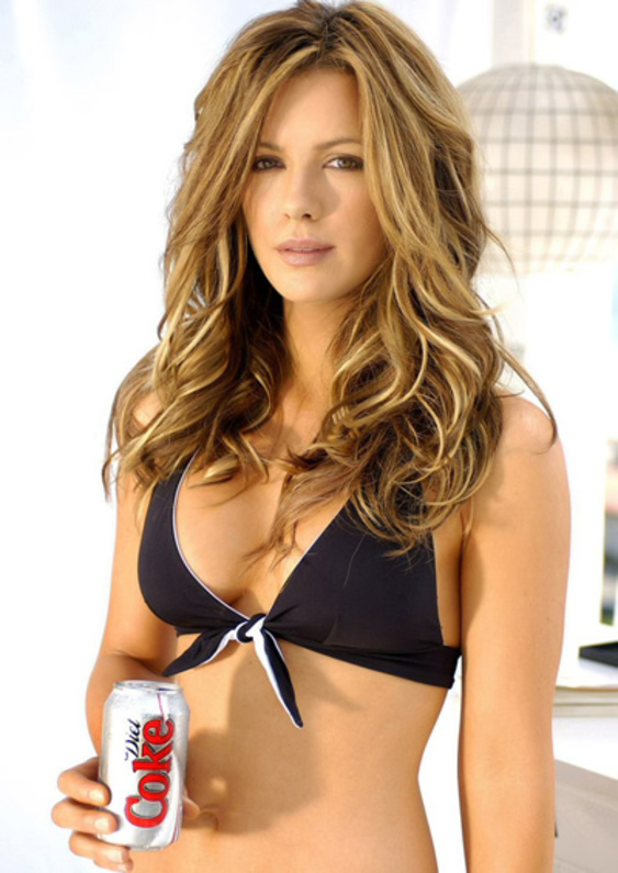 Kate_Beckinsale-sexy-lips-smoking-hot-chicki-before-eyes-young_thumb_585x795