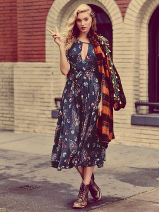 2.-floral-maxidress-with-combat-boots 2