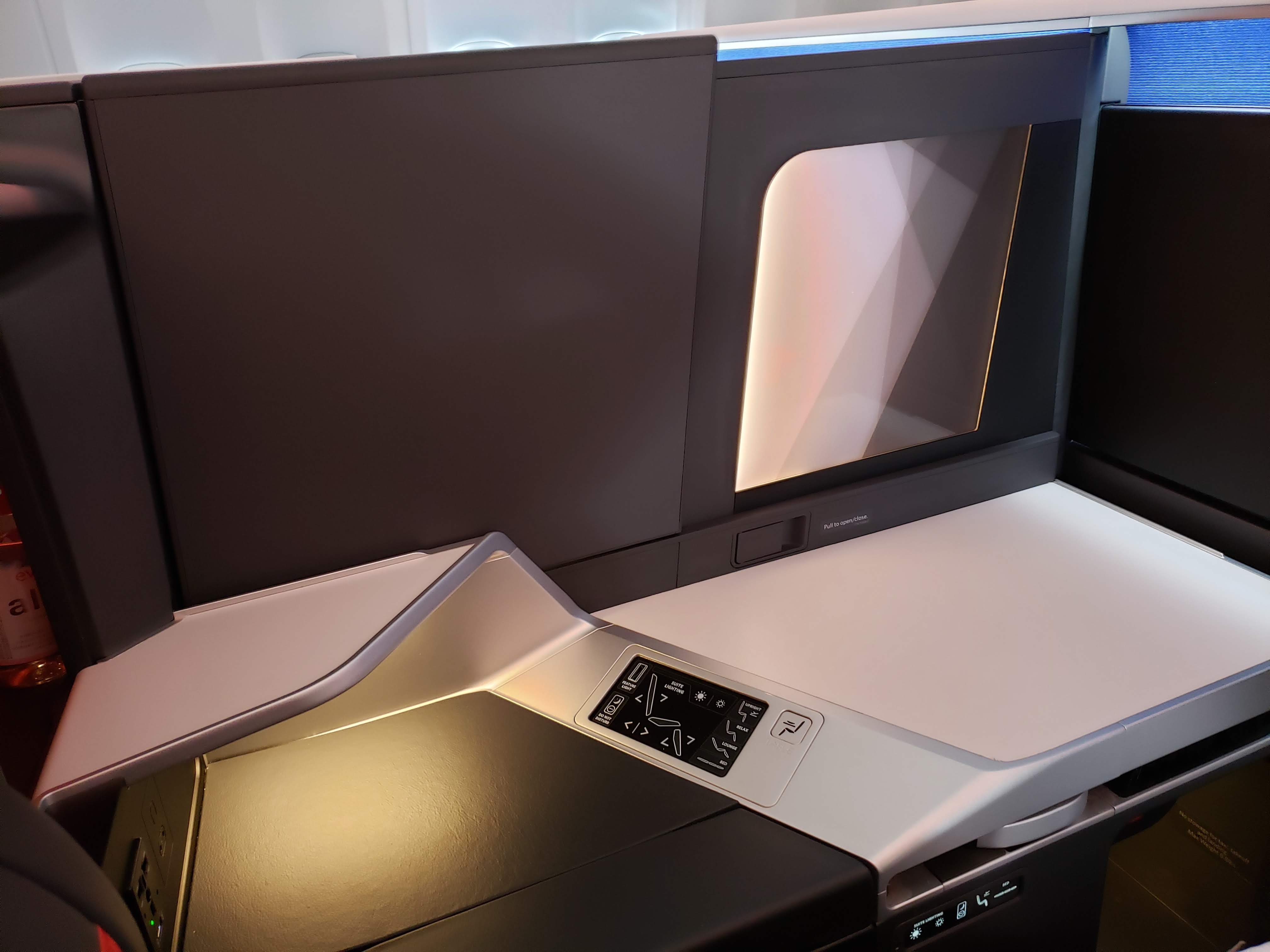 Delta One Suites Desk Storage Space - Late By Lattes