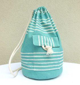 petit sac marin en toile bleu-vert à rayures écru