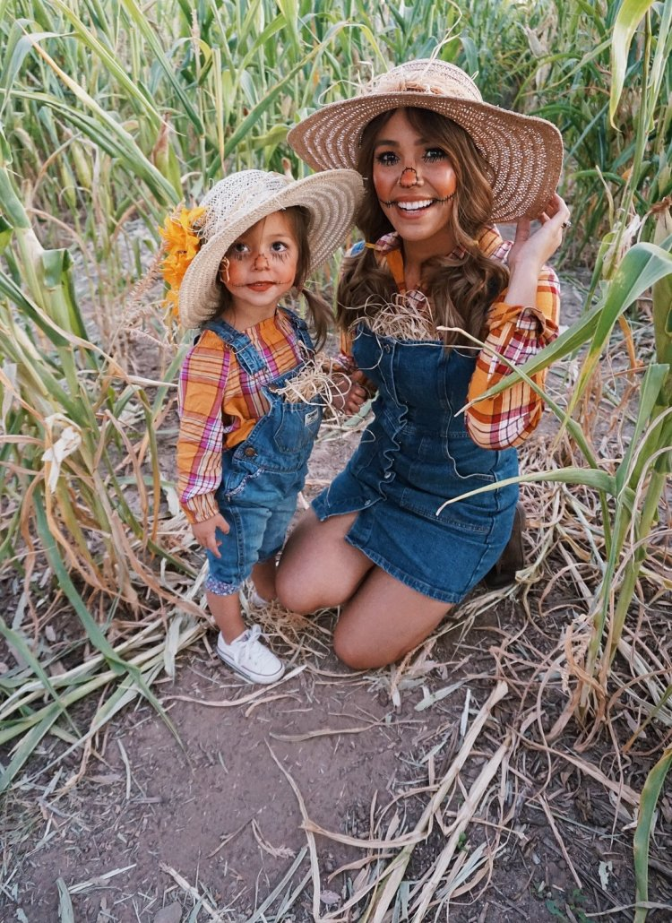DIY Scarecrow Halloween Costume