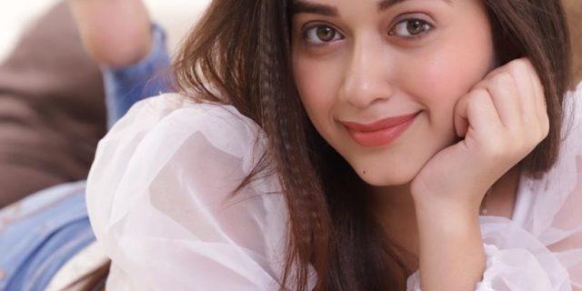 Jannat Zubair Rahmani Hot Bikini Images Wallpapers Pics & HD Photos