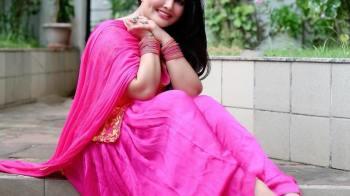 ख़ुशी गढ़वी (Khushi Gadhvi) क्यूट फोटो – इमेज – पिक्चर्स & HD वॉलपेपर