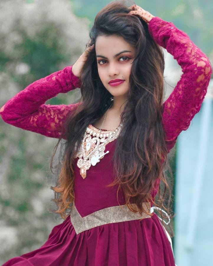 Beauty Khan Photos Images