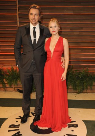 Kristen Bell in Zuhair Murad with husband Dax Shepard {Vanity Fair Oscar Party}