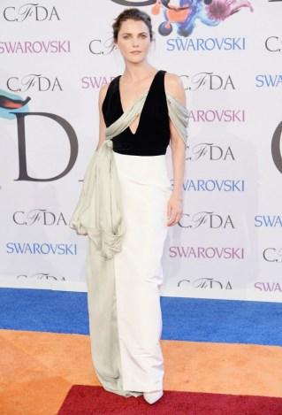 Keri Russel - Rosie Assoulin dress.