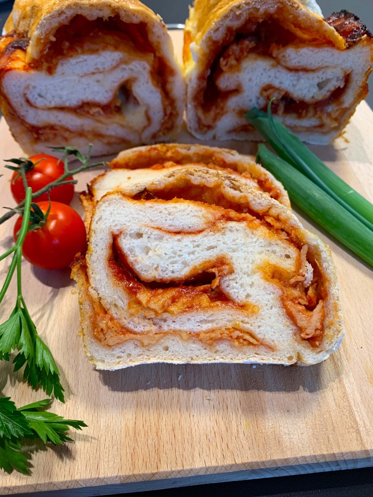 Toast bread with cheese and sugo