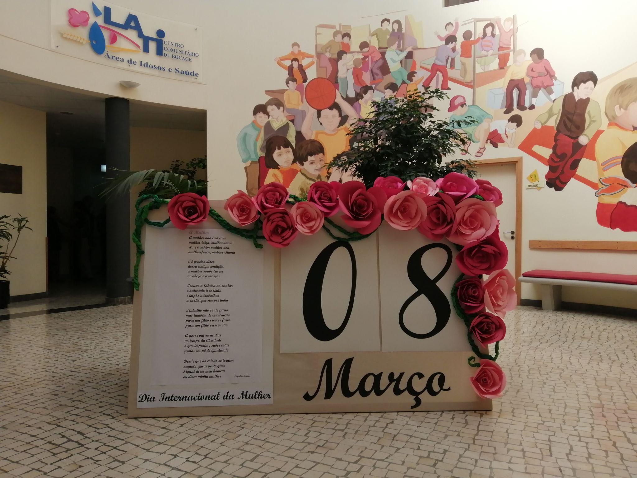 Dia Internacional da Mulher comemorado com flores