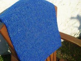 Manta azul de lana