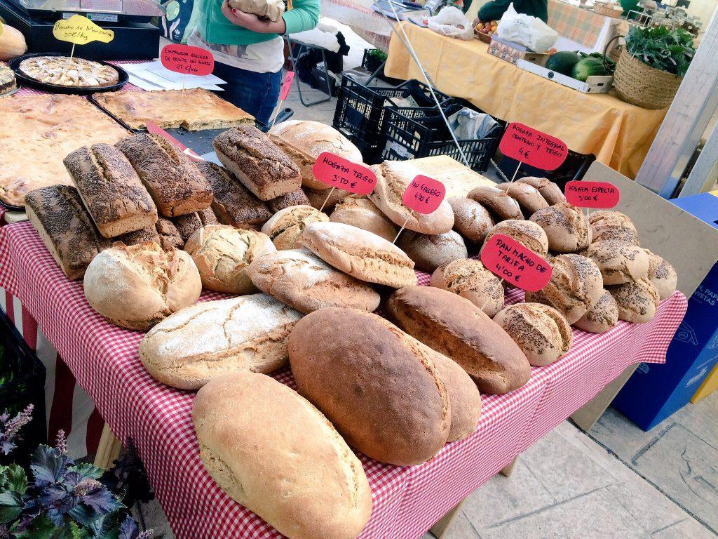 puesto de panes feria agroecológica buitrago