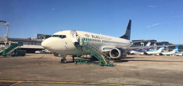 Die einzig verbliebene und geleaste Boeing 737 kehrt am Montag um 20:15 Uhr Ortszeit von Buenos Aires (Argentinien) in die uruguayische Hauptstadt Montevideo zurück