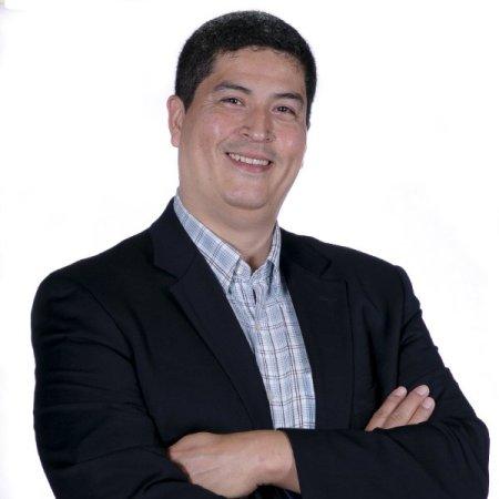 Aquiles Larrea manage your finances