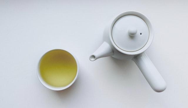 green tea, snacks to boost productivity