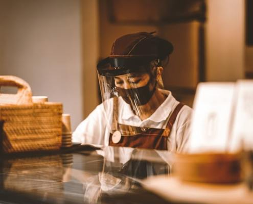 restaurant, covid-19 worker