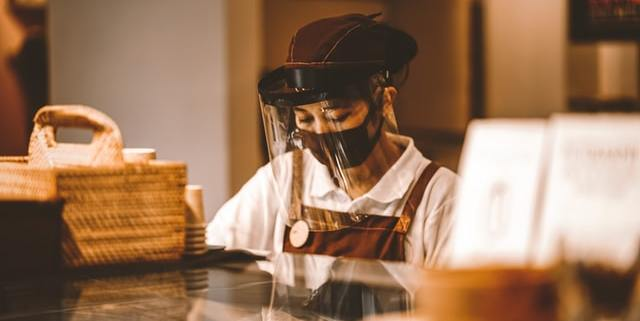restaurant, covid-19 worker