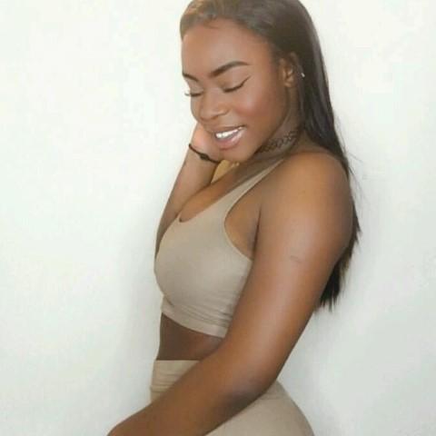 Jamaican Girl – Amoy