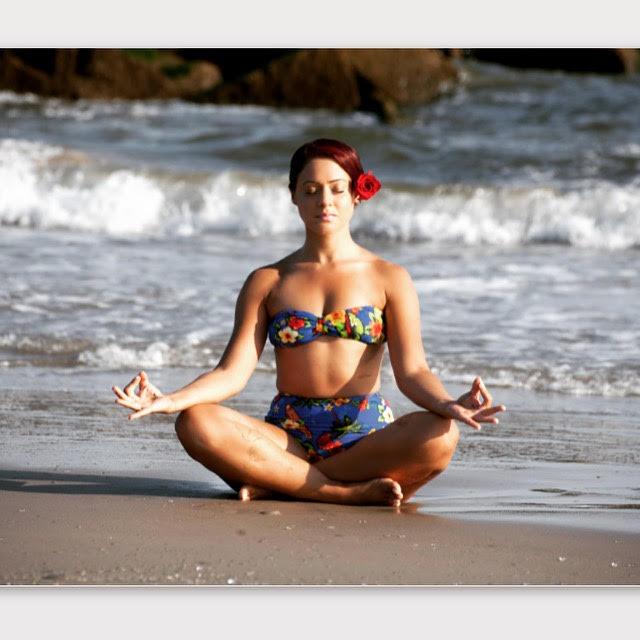 meditate-travels-travel-tips-meditation