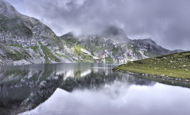latina travel - latina travelers - bulgaria hiking