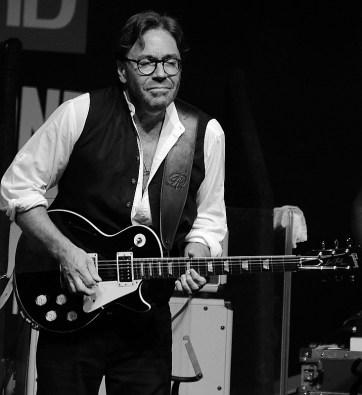 Al Di Meola - TD Toronto Jazz Festival 2015 01