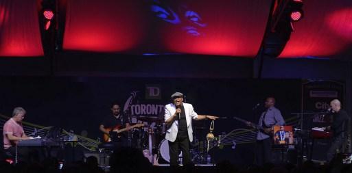 Al Jarreau - TD Toronto Jazz Festival 2015 08