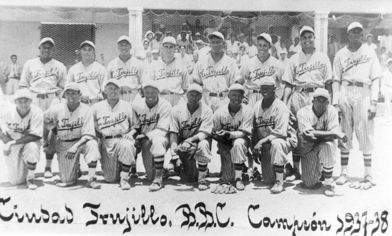 Los Dragones of Ciudad Trujillo, 1937 national champions.