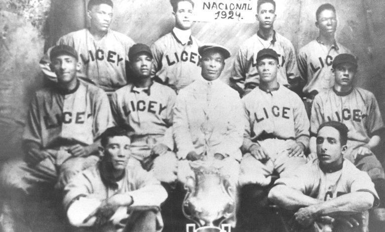 Santo Domingo's Tigres del Licey 1924 title team.
