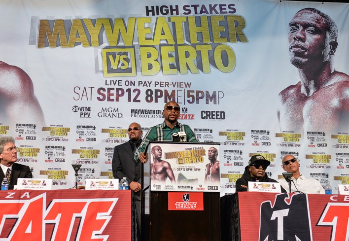 floyd-mayweather-andre-berto-press-conference-idris-erba-2