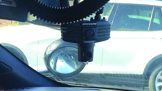 Cada unidad de la policía tendrá dos cámaras que miran hacia adelante una será lente de ángulo amplio./KEYT Each police unit will have two forward facing cameras; one will be a wide angle, which is a new component./KEYT