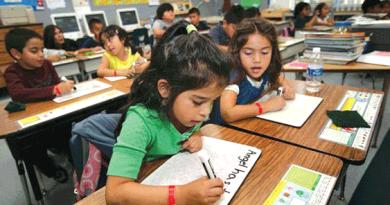 Tennessee busca quitar ciudadanía a hijos de inmigrantes