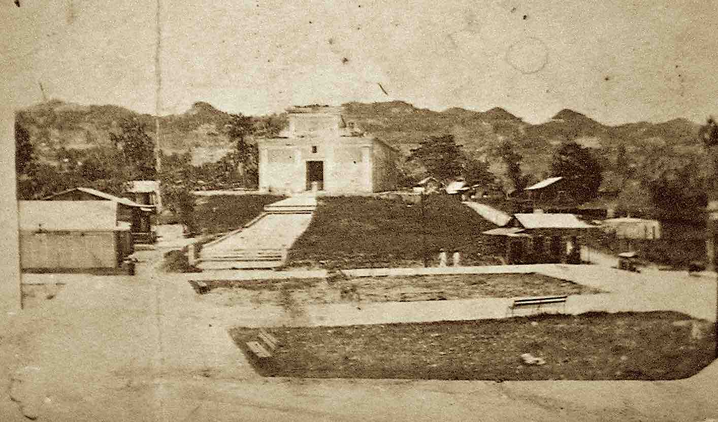 1914 image of the plaza in Moca