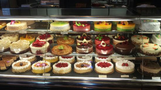 porto-s-bakery-cafe (1)