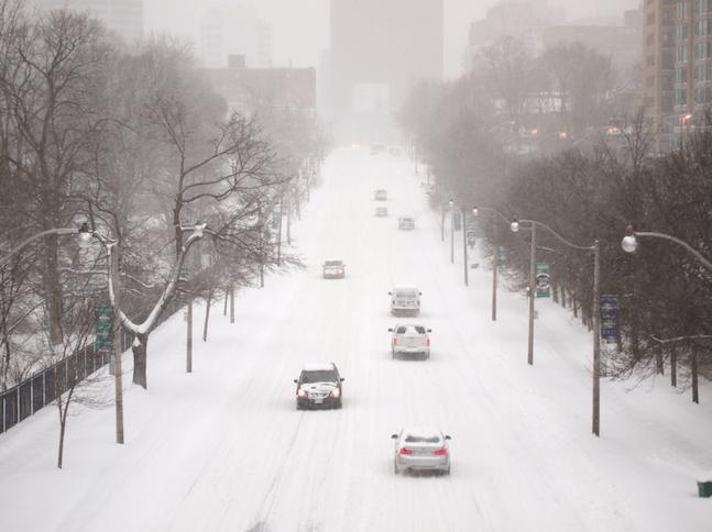 ¡Quédate en casa! Alerta de frío extremo y hasta 25 cm de nieve para Toronto