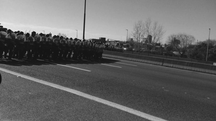 Gendarmería reprimió a trabajadores en La Plata