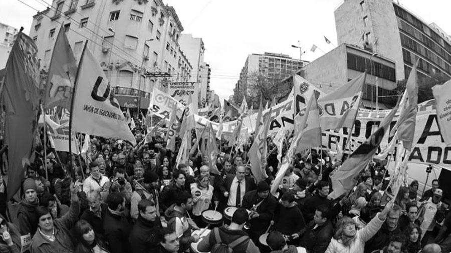 La marcha de la CGT-Córdoba apuntó contra todos