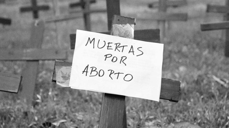 Las muertes por abortos inseguros constituyen femicidios de Estado