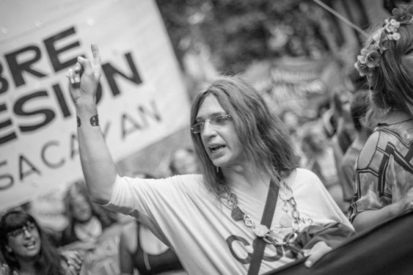 Cuando el límite del feminismo son las feminidades trans