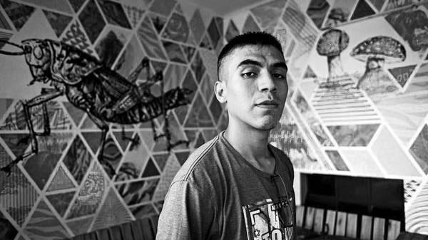 """César González: """"Si un villero exige un lugar dentro del arte despierta sentimientos muy oscuros y miserables"""""""