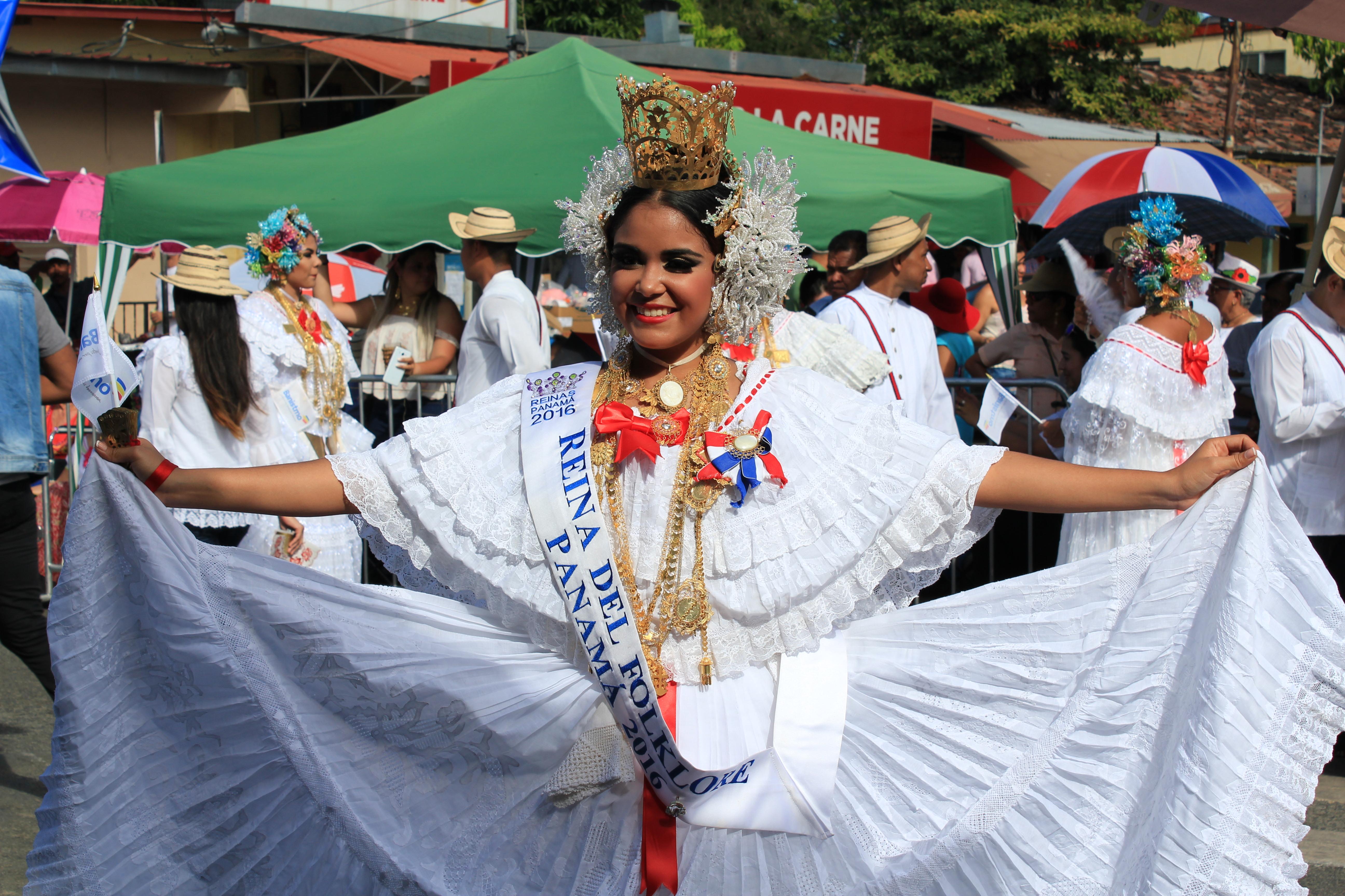 lovely-pollera-8 A Panama Road Trip Panama Panama Fairs and Festivals