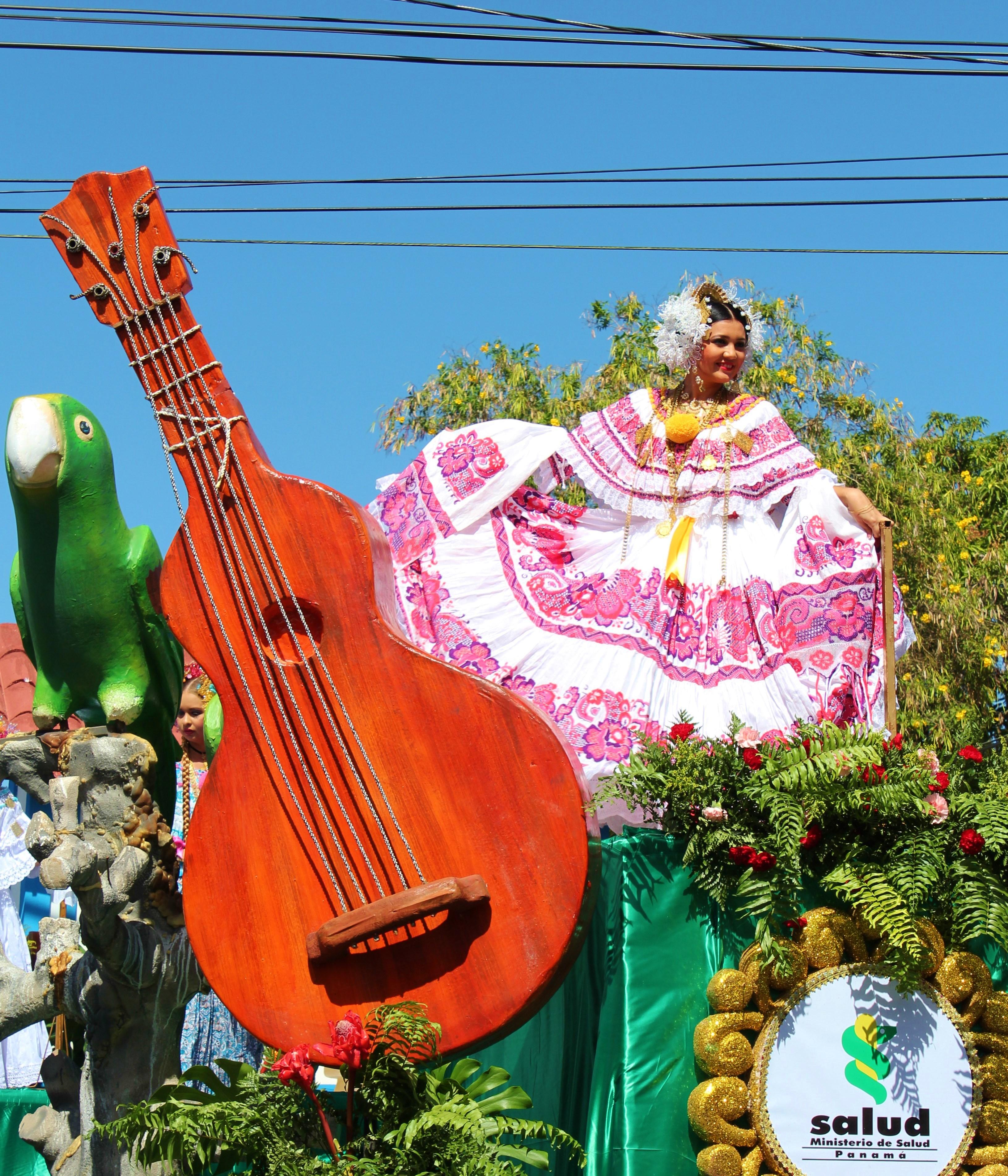 pollera-float-2 A Panama Road Trip Panama Panama Fairs and Festivals