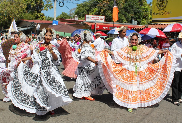 pretty-birds-pollera-parade A Panama Road Trip Panama Panama Fairs and Festivals
