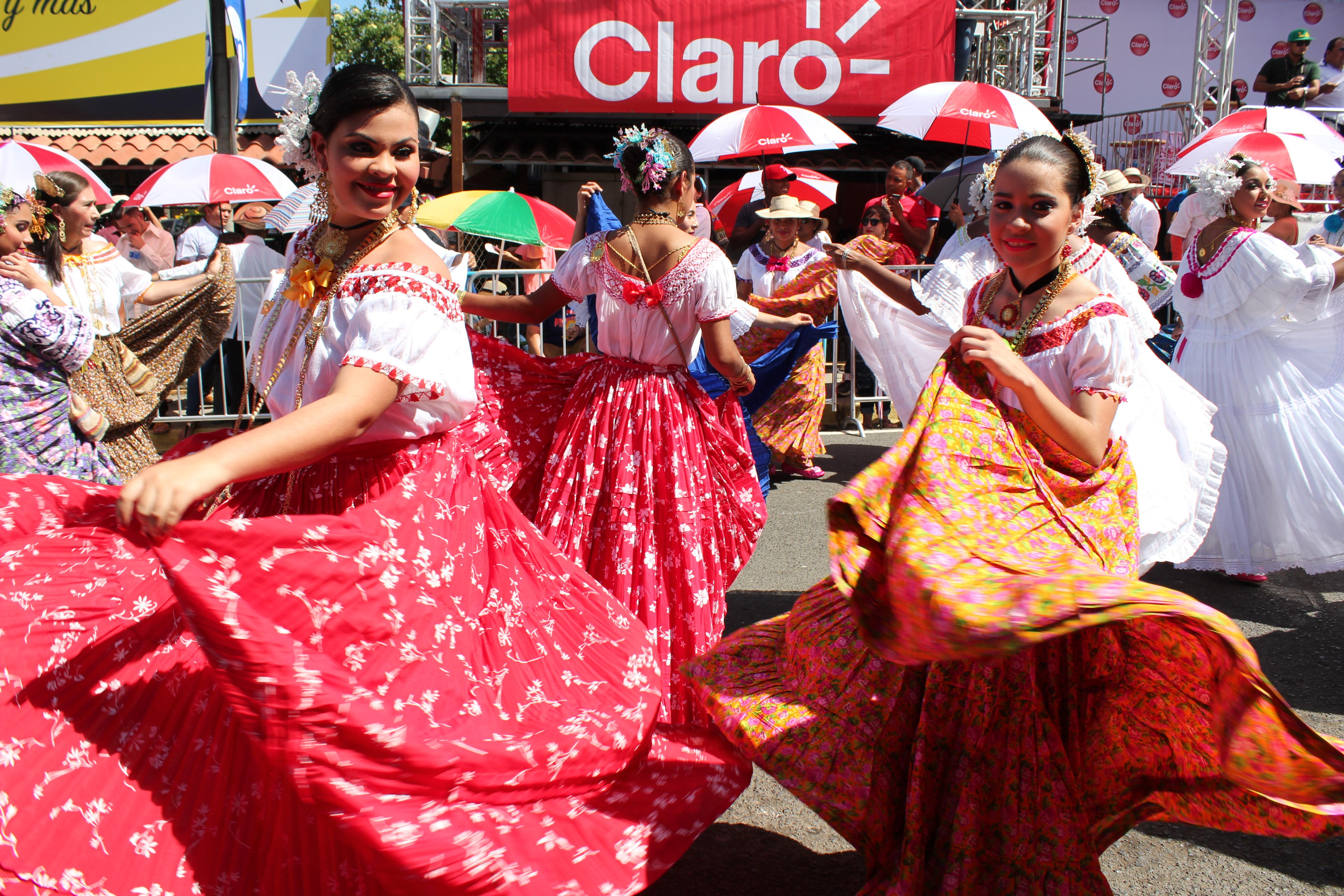 swirling-skirts-pollera-parade-2 A Panama Road Trip Panama Panama Fairs and Festivals